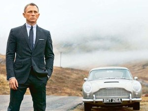 Daniel Craig with Aston Martin DB5